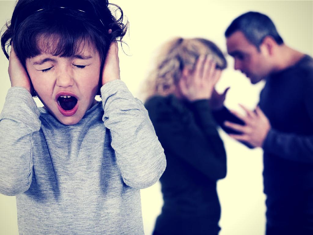 Særligt sensitivt barn hører forældre skændes